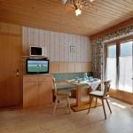 Haus-Elisabeth-Schwendau-Elisabeth-Sporer-Appartement-1-Wohnkueche